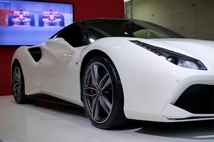 Ferrari488GTB Italian Car Low Angle View Side View Fukuoka Motor Show 福岡モーターショー Panasonic Lumix GX1 50mm PrimeLens set