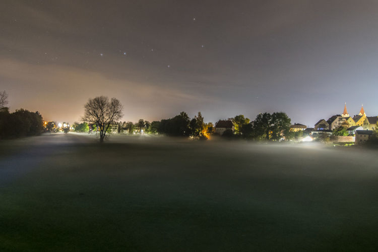 A city Park in fog at night Nature Night Sky Scenics Tranquility Beauty In Nature Star - Space Outdoors Astronomy Xd_arts Light And Reflection EyeEm Best Shots The EyeEm Collection EyeEm Nightphotography Night View ARTsbyXD Longexposure Night Lights capturing motion Long Exposure Night Photography EyeEmBestPics Lights Nightshot