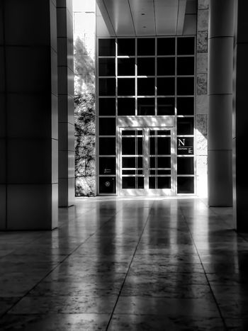 Hallway..... Lgarciaphoto Shot On IPhone Iphoneonly Iphonephotography IPhone 7 Plus IPhoneography IPhone IPhone Photography Getty Museum Getty Black And White Monochrome Los Angeles, California Indoors  No People Architecture Modern Built Structure Tiled Floor Illuminated Day Sliding Door Bnw Bnw_friday_eyeemchallenge Reflection