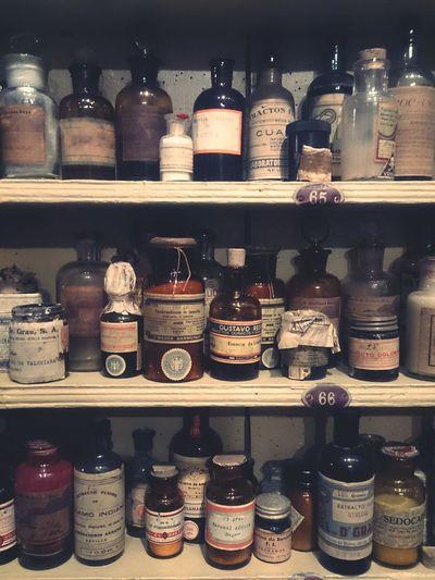 Beautifully Organized Pharmacy Jar Ingredient Old-fashioned Jar Shelf Choice Jars  Jar Shelf Choice Ingredient Old-fashioned Indoors  Variation No People Day Medicine Old Medicine Medicinas Medicamentos Antiguos Botica Boticas