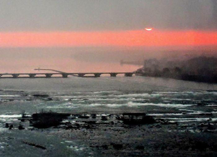 Sunrise over the Niagara river Sunrise Niagara Falls Canada Beauty In Nature Outdoors Red No People Nature Landscape Scenics Sky Cold Temperature Water Day