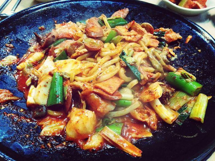 수원여자와 동두천여자가 만났을때ㅋㅋ동두천은 부대찌개지 ! 오늘은 부대볶음 맛있다잉 Food Korean Food