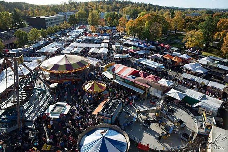 View from a Ferriswheel over the Marketsquare at Salo Finland Maailmanpyörä Suomi Tori Markkinat Syysmarkkinat Visitsalo