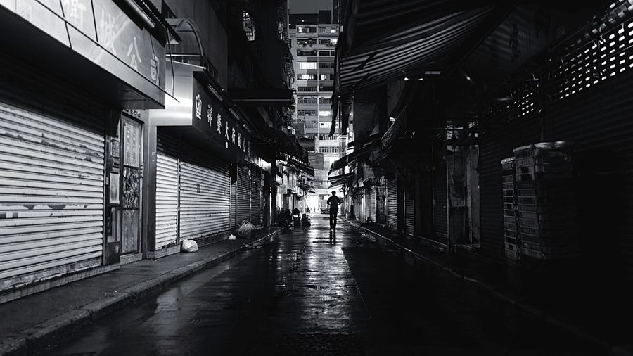 at Wanchai HongKong Discoverhongkong Leica Leicaq Night Lights Blackandwhite Nightphotography Streetphotography Shadows & Lights Light And Shadow Streetphoto_bw EyeEm Best Shots 28mm 香港 夜景 白黒 EyeEmBestEdits EyeEmBestPics EyeEmbestshots EyeEm Gallery EyeEm Best Edits Hello World Wanchai Pmg_hok