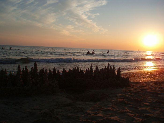 The Sunset on the Beach. Le Coucher Du Soleil sur la Plage. Закат на пляже. Море Sea Mer Original Experiences