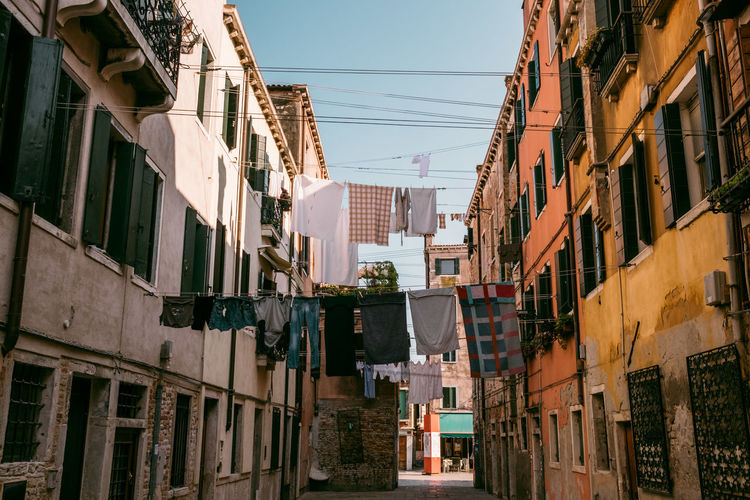 Venice Architecture Building Exterior Built Structure Building Residential District City Window No People Day Nature Low Angle View Sky Outdoors Sunlight Clear Sky Sign House Street Laundry City Life Apartment Alley