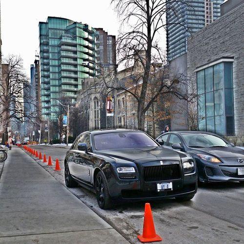 Spotted This Rolls Royce Phantom in Yorkville (Toronto Canada ?) Damn Mazda ruined my shot. ? Rolls Royce Carsofeyeem Istanbul Turkey Istanbul Carspotting Car Porn Canada Toronto First Eyeem Photo Rollsroyce