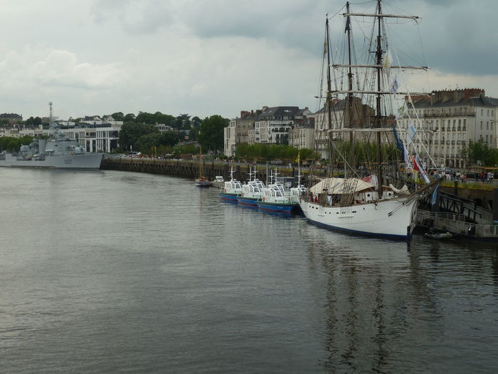 White 3-masts