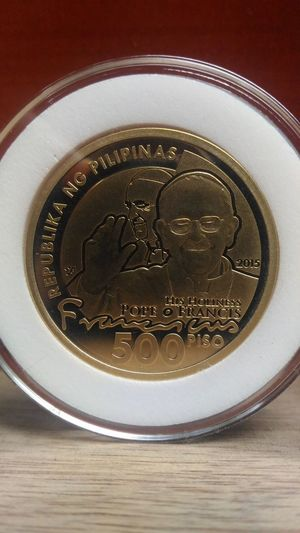 PILIPINAS, PAPAL coin, pope francis, Philippines, only, gold, metal. Coins, collector's item, memories, Close-up No People Metal Portrait Circle WOW Limted Edition Indoors