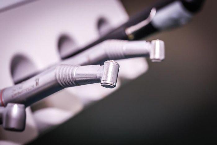 Zahnarzt Bohrer Zahnarzt EyeEm Selects Dentist Bohrer Still Life No People Close-up Indoors  Microphone Day