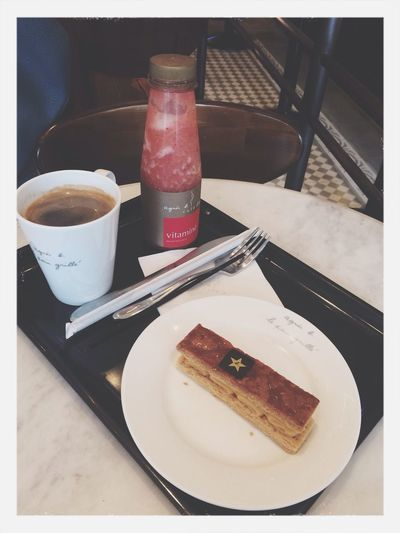 Afternoon tea; Xinyi with le madre, Food , Coffee , and pressed juice. Enjoying Life .