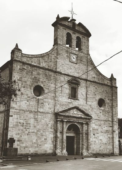 Iglesia de Santa Maria was built in the 15th century and is of gothic architecture located in Ampuero, Spain 04.2015Church Churches Building Gothic Gothic Beauty  Arquitecture Historical Building Gothic Church B&w Gothic Black And White Photography