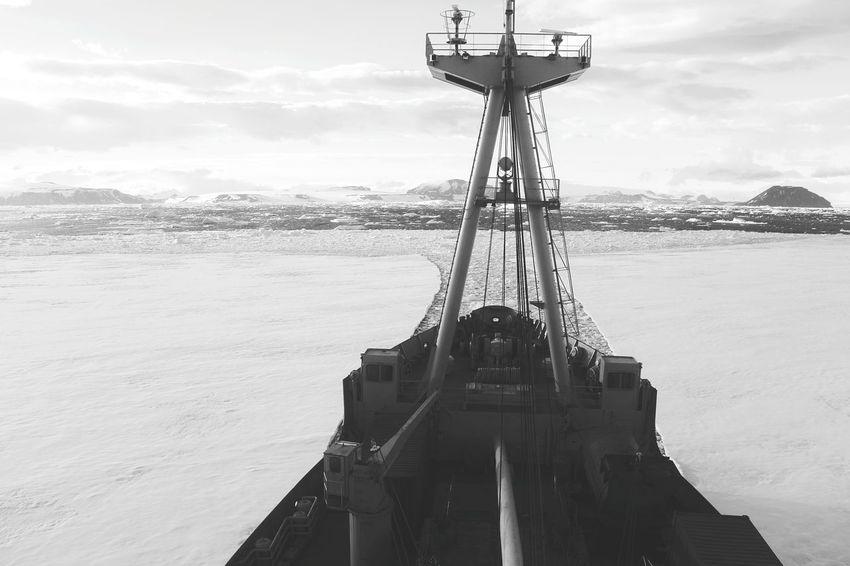 Antartica Magallanes  Nikon Nikonphotography Nikon 1  Nikon 1 J5 Vessel Buque Hielos Hielo EyeEm Selects Sea Water Cloud - Sky Travel Destinations Sky Outdoors Beach