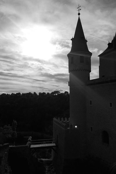Black And White Friday Castle Sunset Sunset_collection Cloud - Sky Blackandwhite Building Exterior Disney Segovia,spain Alcazar IPhoneography Blackandwhite Photography Dreaming