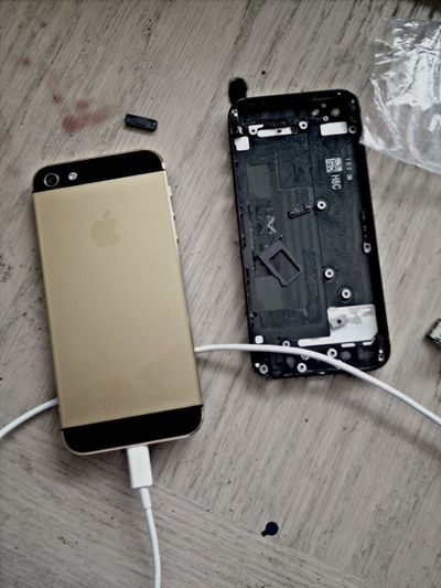 Love my new frame to my iphone5 AllGoldEverything