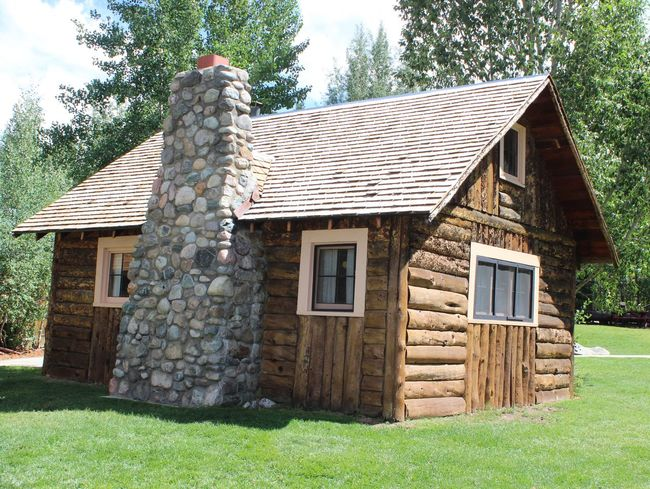 All I need is a Cabin In The Woods Cabin Architecture Log Cabin Lines House Trees Nature Logcabin Building