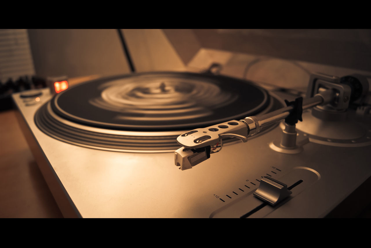 music, arts culture and entertainment, turntable, indoors, technology, close-up, high angle view, record, no people, record player needle, table, day
