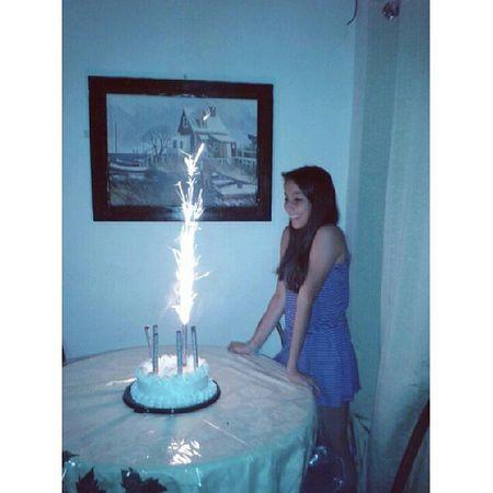 Dure un montón para apagarlas y al final solo puedo una prendida jaja. Birthday July17 Seventeen ♡