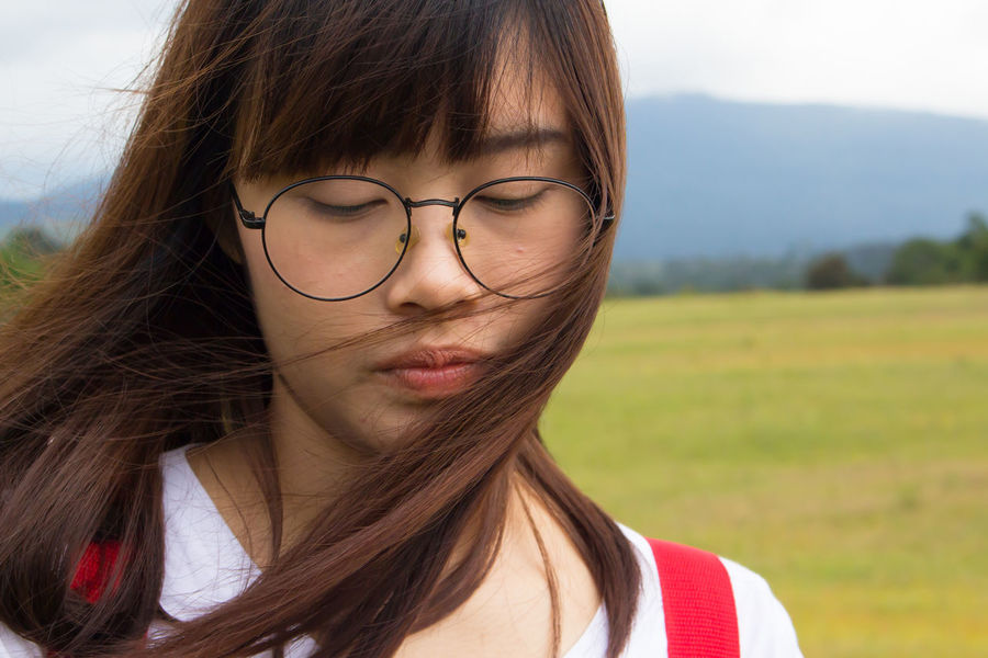 Portrait One Person Only Women Adult Looking At Camera Headshot One Woman Only Long Hair Front View Adults Only Young Adult Focus On Foreground People Day Outdoors One Young Woman Only Eyeglasses  Young Women Beautiful Woman Close-up EyeEmNewHere EyeEm Best Shots Kaoyai