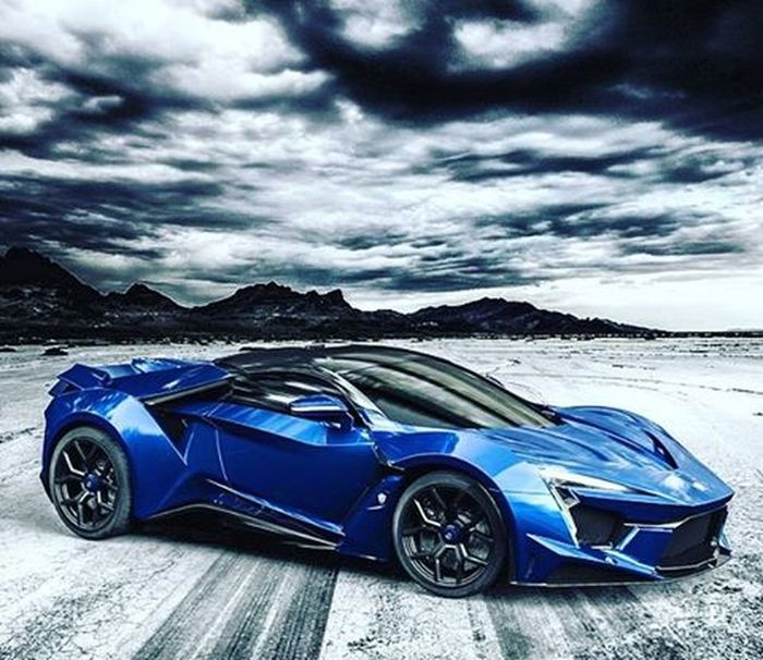 Just revealed the Fenyr Hypersport which has 900 horsepower and is the brother of the Lykan SuperSport💸❗️🔞🚀🏁 Styleblogger StockTrader Luxury Inspiration Motivation Losangeles Beverlyhills Miami Newyork Lasvegas Sandiego Chicago Atlanta Sanfrancisco Newjersey Dallas Houston Tokyo Shanghai London Paris Toronto Hamptons Hollywood LA Millionaire