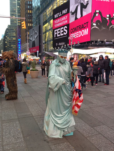 Had Lady Liberty as my model | Taken in Times Square using iPhone 6 Manhattan Timesquare New York Portrait Of America Streetperformer Costume