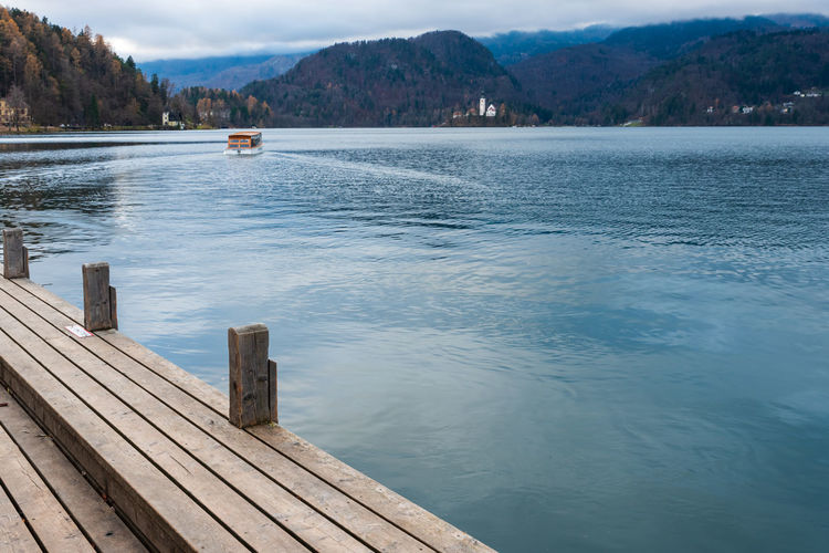 Island in lake bled. dreamlike atmosphere for the church of s. maria assunta. slovenia