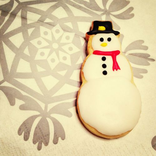 Snowman Icing Cookies the snow man icing cookie that I made!