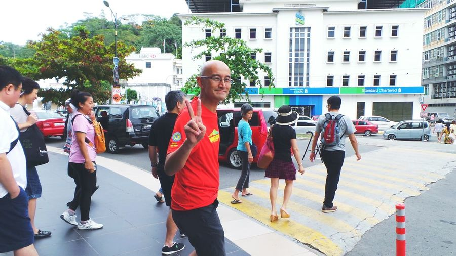 The adventurer. .😀✌ The Global EyeEm Adventure EEA3 - Kota Kinabalu Crowd Capturing Movement People Walking