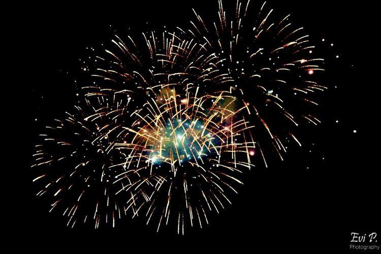 La mia città si illumina di firework 🎆 Hello World Enjoying Life Fireworks My City San Beach City
