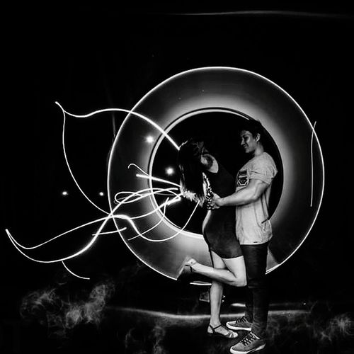 Capture the moment and make it perfect ❤️ light painting was surely a fun thing to do. Light Painting Light Effect Couplegoal Fun Black And White Night