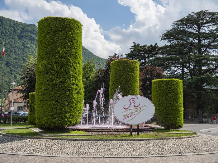 Giro d'italia 2018 – Iseo Fountain Iseo Giro D'italia 2018 Nature No People Outdoors Plant Road Road Sign Sky Sunlight
