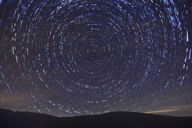 Altopiano Di Rascino Lunga Esposizione Notturna Startrails Stella Polaris Stelle