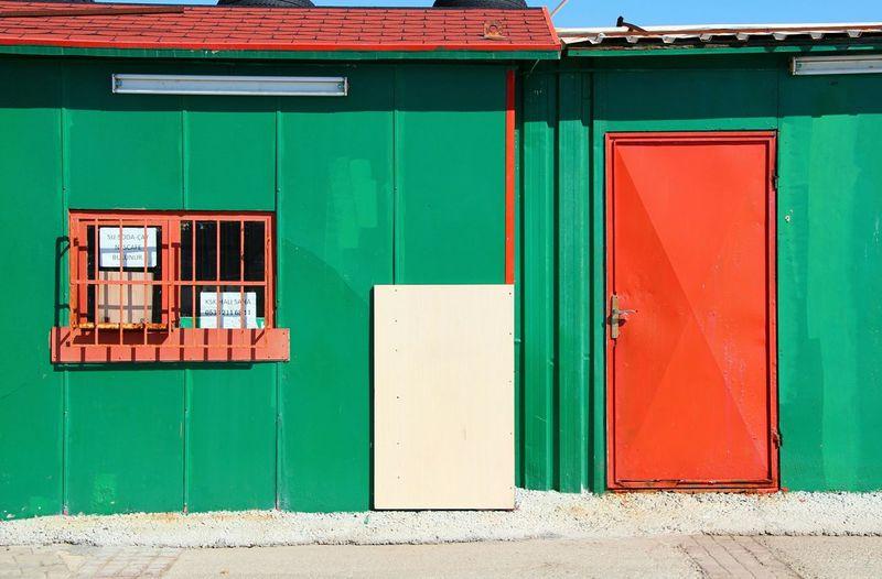 Landscape Landscape_photography Taking Photos Colorful Hello World Door Doorsworldwide Door_series Redandgreen Greenandred
