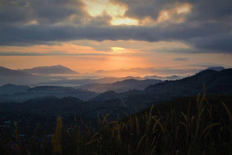 Sunrises mountain layer exposure