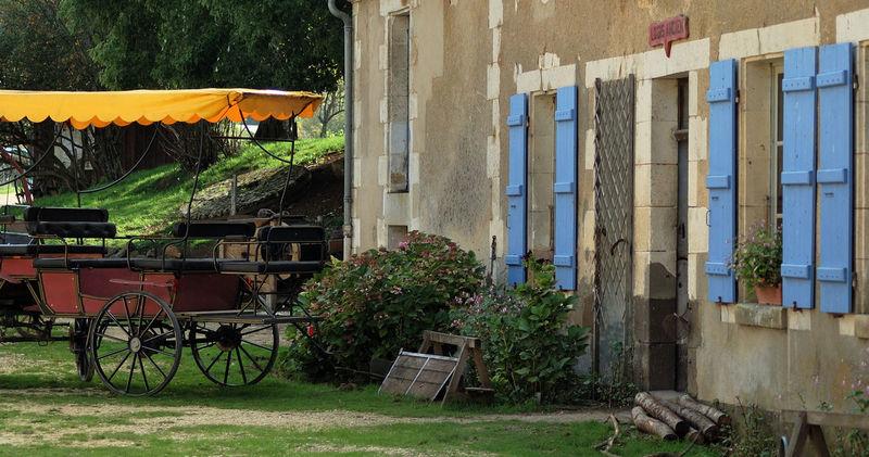 Bleu Charette Ferme House Jaune Maison Moulin Volets Yellow
