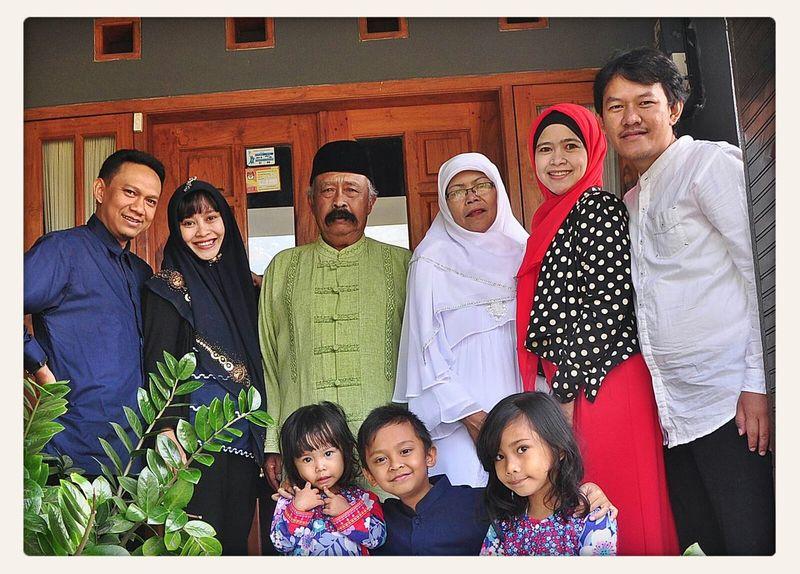 Family Love Lebaran Happy