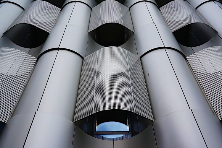 I love this Building in Bristol England Great Britain Life Sciences Building University Of Bristol Ladyphotographerofthemonth Shootermag Architecture Architecture Architecture_collection Building Exterior Modern Architecture Fine Art Photography EyeEm Best Shots Streetphotography Low Angle View Built Structure Architectural Detail Steel Structure  City 500px Street Photography Architecturelovers Eye4photography  The Week On EyeEm Been There. The Graphic City Stories From The City The Architect - 2018 EyeEm Awards Creative Space #urbanana: The Urban Playground