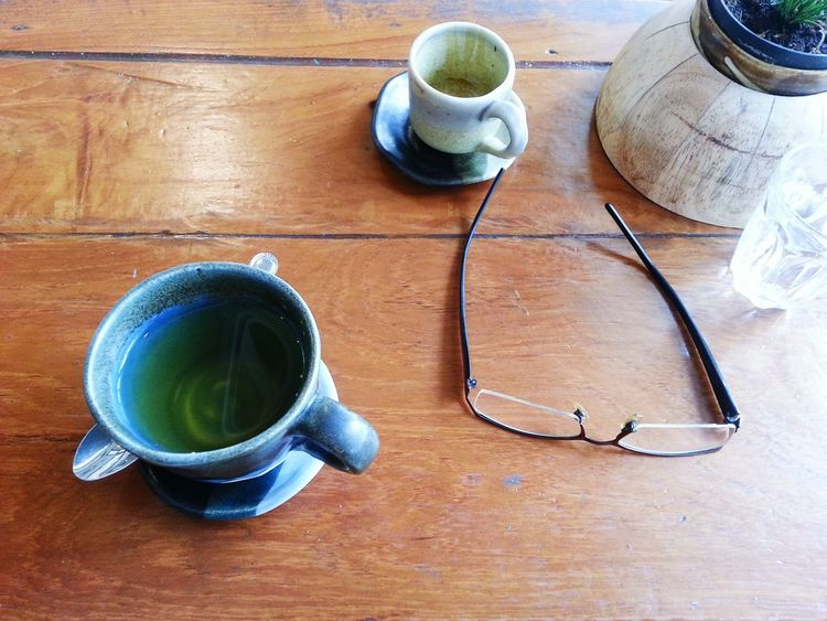 EyeEm Selects Drink Tea - Hot Drink Tea Cup Hot Drink Green Tea Refreshment Cup High Angle View Table Food And Drink Indoors  Teapot Japanese Tea Cup No People Wood - Material Freshness Healthy Eating Tea Ceremony Matcha Tea Close-up