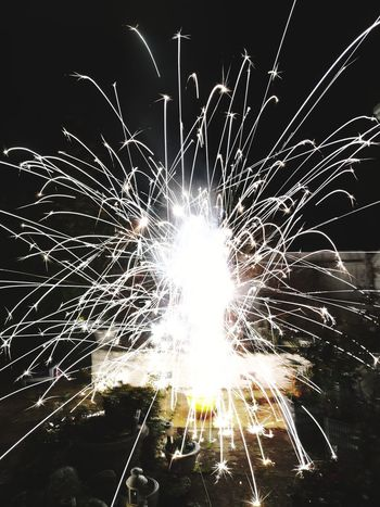 firework! Honor 10 United Kingdom Illuminated Arts Culture And Entertainment Multi Colored Motion Firework Display Celebration Firework - Man Made Object Long Exposure Blurred Motion Defocused Sparks Entertainment Exploding Glowing Light Painting Event Fireball Flame Firework Burning