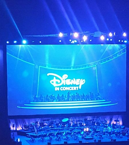 Walt Dinsney Orchester it was a present for my girl, a real nice day Disneyinconcert