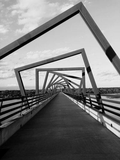High Trestle Trail Bridge EyeEm Selects Bridge Connection Bridge - Man Made Structure Built Structure Sky The Way Forward Architecture Diminishing Perspective Transportation Day Direction No People Railing Metal Footbridge Outdoors Nature Cloud - Sky Long Road
