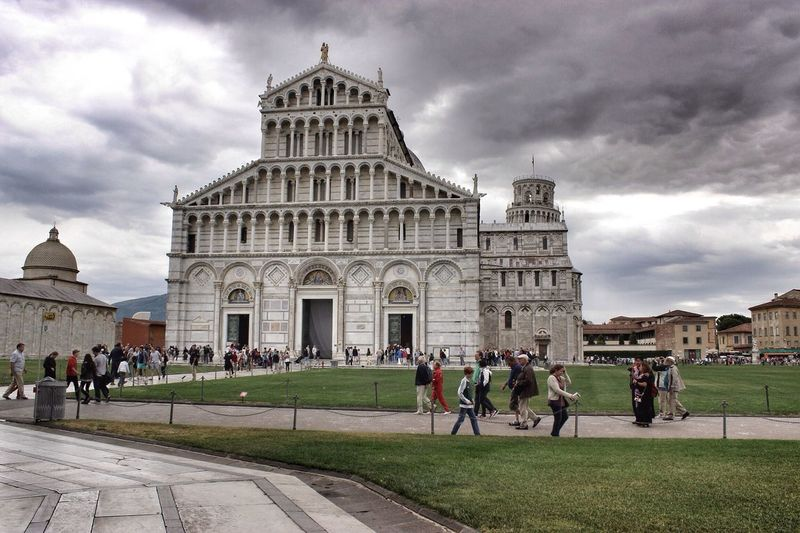 Tourists near pisa cathedral