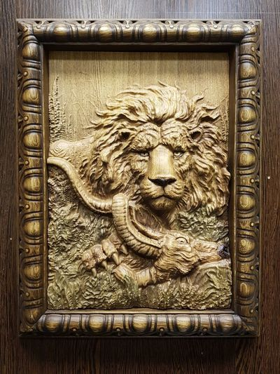 Wooden lion. The present for my friend Eldar 🦁 Lion Wooden Frame Wood Carving Carving In Wood Carving Art Panno Picture Safari Animals Safari My Work Handmade Cnc Machining Moscow Russia деревянное панно резьба фрезеровка ЧПУ Мебельная фабрика Карина Close-up Carving - Craft Product Engraved Image Carving Sculpture