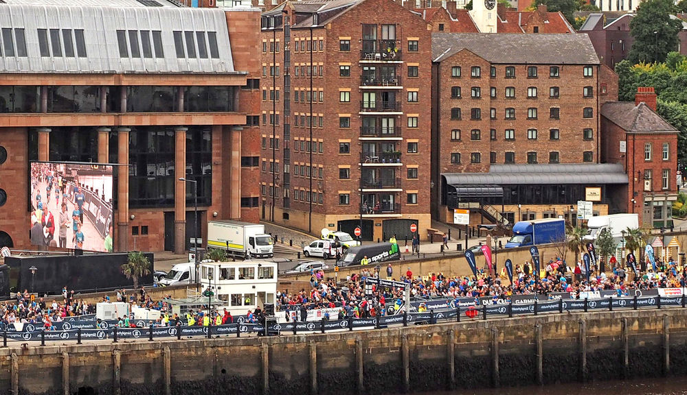 Newcastle upon Tyne on the Great North Run weekend 2017 Great North Run Newcastle Bridges Newcastle Upon Tyne River Tyne, Runners Adult Adults Only Architecture Building Exterior Built Structure City Day Large Group Of People Lots Of People Men Outdoors People Real People Sky Storm Clouds