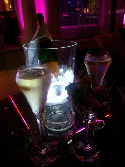 Champagne Supernova Biss Strawberries