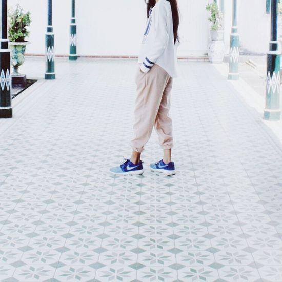 The Fashionist - 2015 EyeEm Awards Taking Photos Open Edit Whiteaddict Streetphotography Explorejogja Ootdindo Nike✔ Squaregrapher Peopleinframe