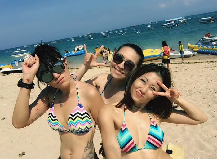 Hot day Tanjungbenoa Watersports Bali Nusadua Hanging Out Taking Photos BestfriendsForEver Family❤ Hello World Sister