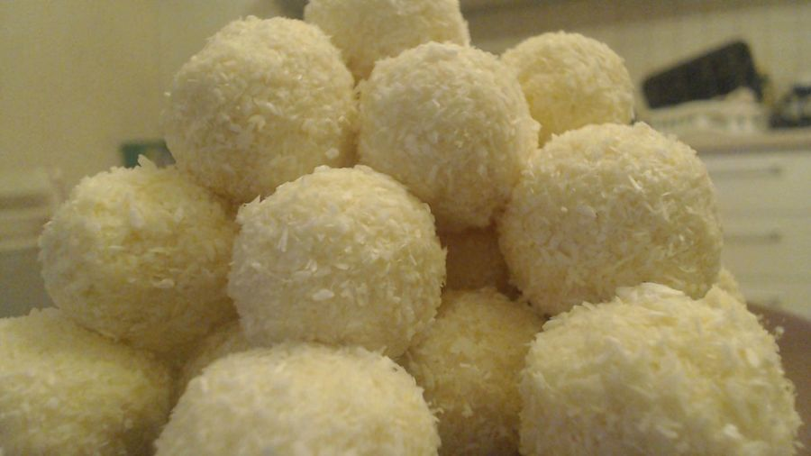 #coconuts #Homemade #homemaderafaello #kitchen #Rafaello #sweets #whitechocolate Close-up Food No People Ready-to-eat Temptation