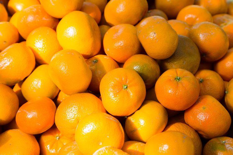 🍊 EyeEmPaid Food Food And Drink Fruit Healthy Eating Wellbeing Citrus Fruit Orange Color Orange Freshness Orange - Fruit Abundance Market Full Frame Organic Market Stall Backgrounds