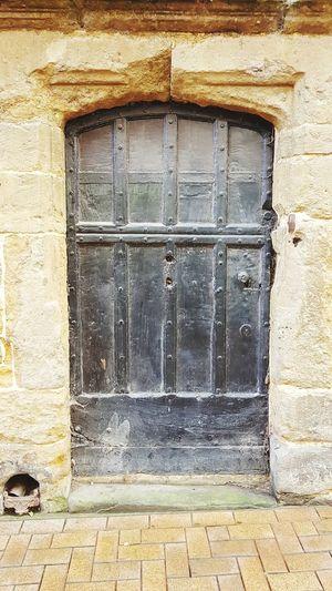 Banbury Stone History Historical Building Historical Architecture Banbury, England Architecture Historical Building Aged Agedstone Doorwaysoftheworld Doorways Doorporn Close-up